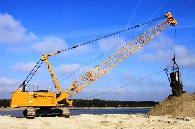 bouwmachines-rupsbandkraan-LIEBHERR-HS-885-HD—1_big–12033011355124806400
